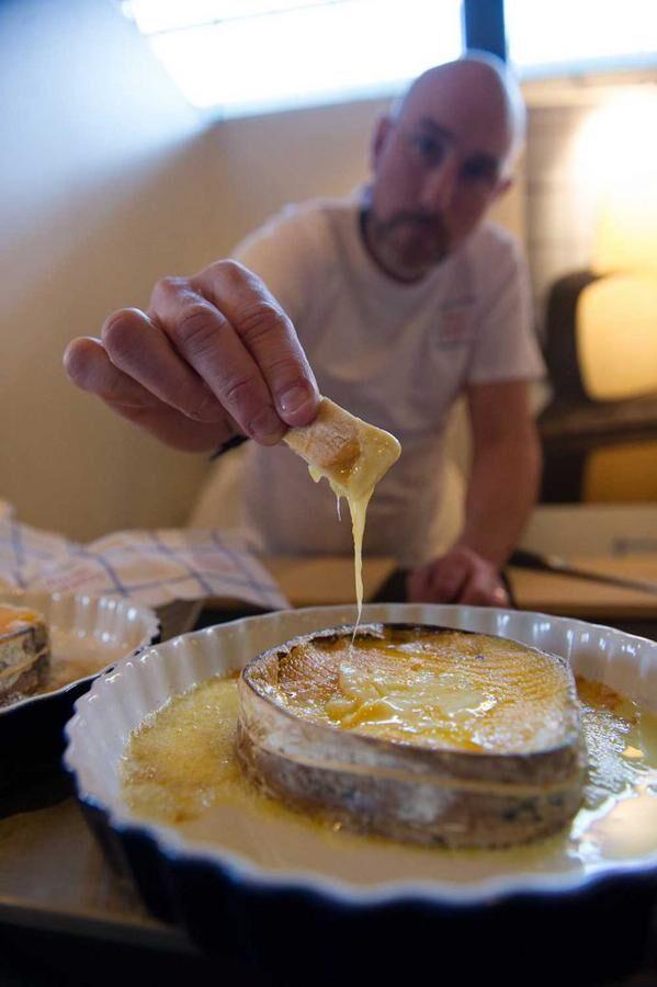 Smält ost blev en succé på Ostfestivalen. Foto: John Guthed.