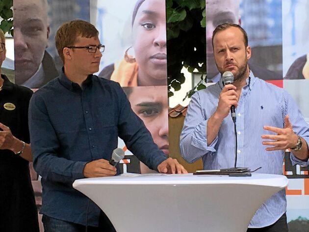 Christian Carlsson, KDU, till höger, svarade för hur Kristdemokraterna vill tackla de frågor Hugo Eriksson ställde om äganderätten.