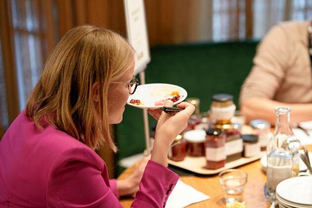 Kristina Yngwe, ordförande i miljö- och jordbruksutskottet, invigningstalade på SM i mathantverk och medverkade också i en av jurygrupperna.