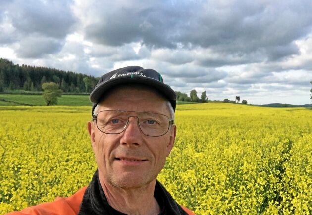 Carl Jonson fick priset som Ekoböndernas ekobonde 2019 bland annat för att han under flera decennier har inspirerat andra genom sina kunskaper om ekologisk odling.