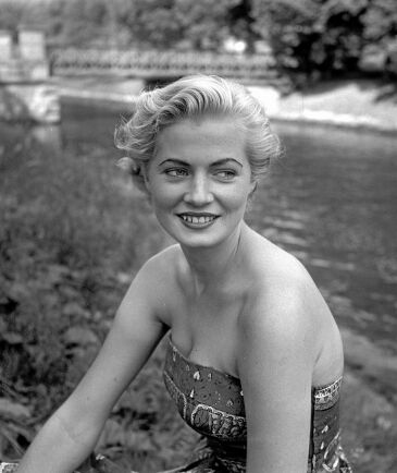 Anita Ekberg.