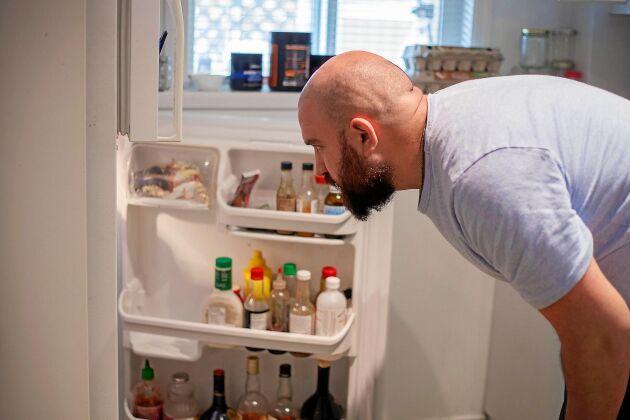 Det brummar, droppar, låter och har sig. När kylskåpet trilskas kan det vara svårt att veta vad oljudet beror på. Här är 5 möjliga orsaker till att ditt kylskåp låter.
