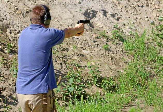 Nu stoppas skjutbaneskytte av rädsla för gnistbildning. Arkivbild.