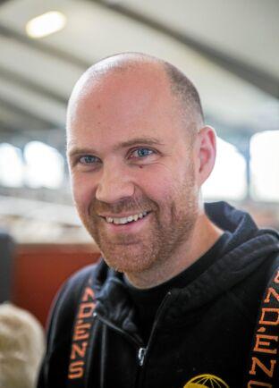 Fredrik Ivarsson jobbar på Berte Gård.