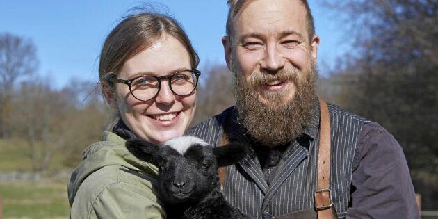 Sofia och Kristofer har både djur och smedja på sin gård