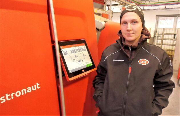 I somras installerades Slithults gårds första mjölkrobotar, berättar Malin Josefsson Prakt.