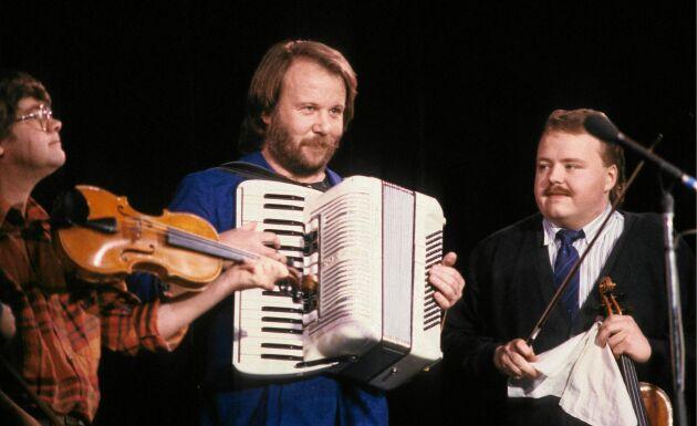 Benny Andersson fick ett dragspel på sin sexårsdag. Som tioåring fick spela med pappa Gösta och farfar Efraim på Mjölkö brygga i Stockholms skärgård under namnet Bennys Trio.