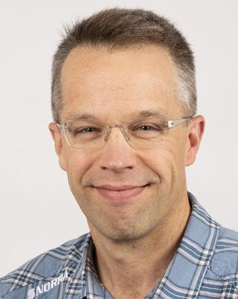 Mer timmertåg till Husum och så snart som möjligt till Sävar vill Patrik Jonsson, virkeschef på Norra Skog, ha.