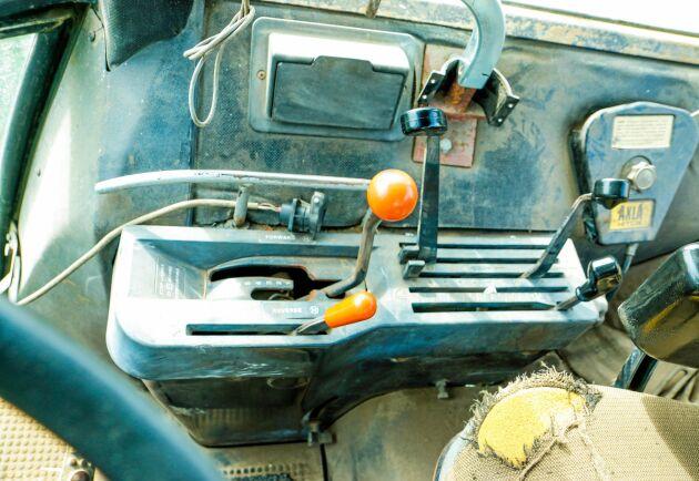 John Deere 4440 har den klassiska åttaväxlade powershiftlådan.