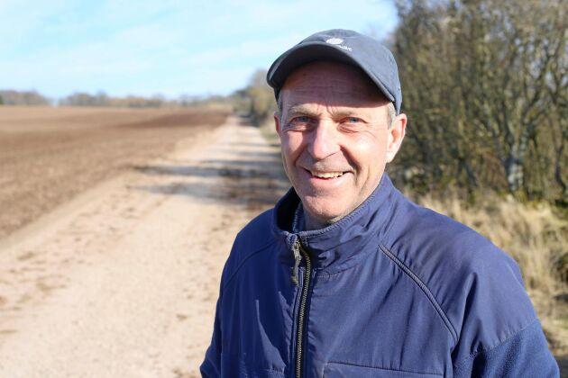 Vårbruk. Lars Bäksted är förvaltare på Övedskloster.