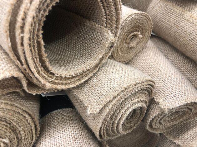 Hampa användes redan för 10 000 år sedan och har många miljöfördelar, till exempel låg vattenförbrukning och giftfri odling.