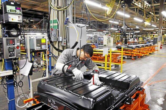 Att bygga eldrivna pickuper kräver stora batterier, vilket har lett till att tillverkarna inte satsar på sådana fordon.