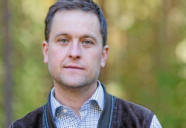 Rickard Axdorff är ordförande för Naturbrukarna Sverige. Han arbetar som produktchef för Skogsaktuellt, en del av Jordbruksaktuellt.