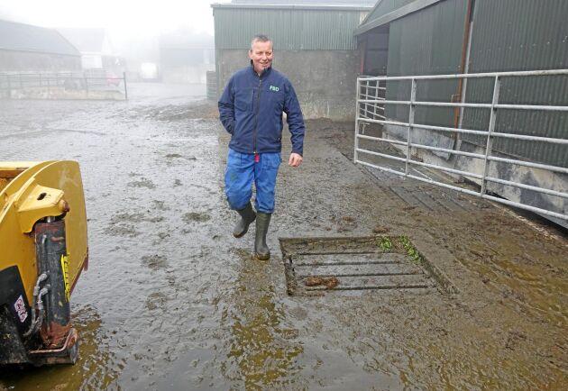 Just nu går det bra för irländska mjölkbönder. Priserna har stigit rejält säger Larry Hannon, mjölkbonde på Fullers Court.