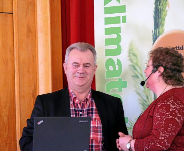 Sven-Erik Bucht fanns med på LRF Norrbottens regionstämma som hölls i Haparanda i går. Här tillsammans med Jenny Karlsson, ordförande.