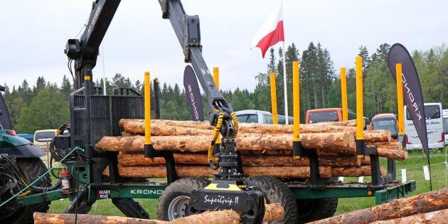Massor av maskiner på Skogselmia