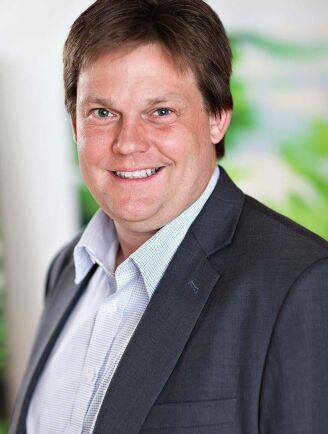 Vindkraftsproducenterna kan inte förvänta sig någon hjälp från politikerhåll menar Gustav Ebenå.