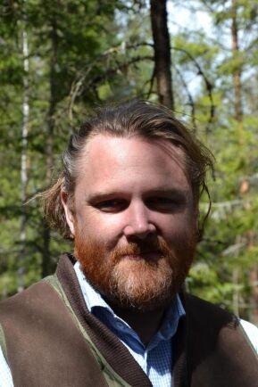 Enligt Hans-Erik Svensson, på företaget Anders Skördare, är Alphavagnen flexibel och tillsammans med Valtratraktorn blir den en skotare.