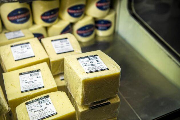 Flytten av Boxholms ost har fått folk att reagera på var maten man äter egentligen produceras.