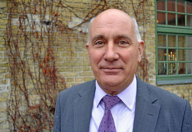 Edward O'Riordan från det Irländska forskningsinstitutet för lantbrukets djur och betesmark, Teagasc.