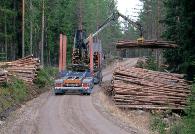 Det är viktigt att informationen om skogsbilvägar är aktuell, för effektivitet och säkerhets skull.