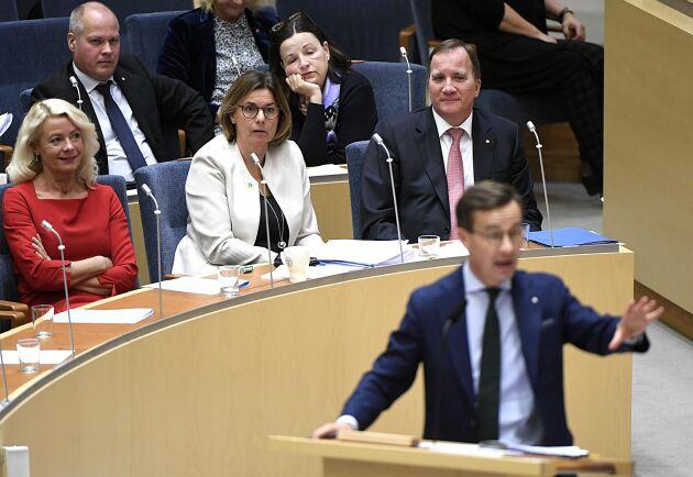 Partiledardebatt i riksdagen.