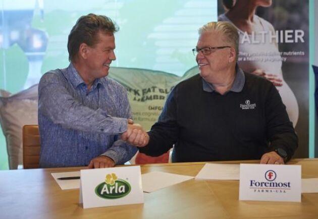 Arla Foods VD Peder Tuborgh och Michael Doyle VD för Foremost Farms.