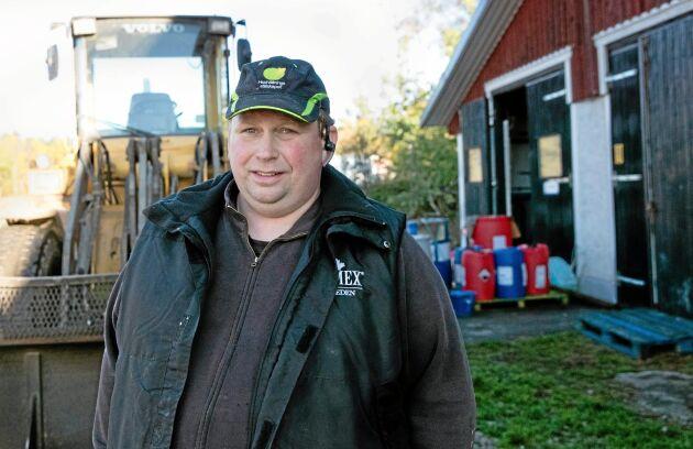 Peter Larsson på Mälhammars gård utanför Eskilstuna.