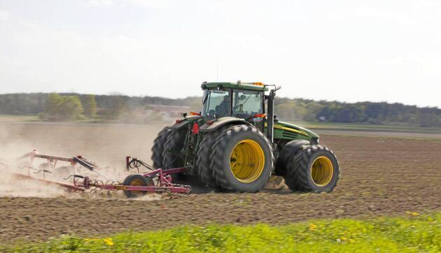 Åtta av tio företag i livsmedelssektorn anser att det är svårt att hitta rätt arbetskraft, visar en ny rapport som LRF står bakom tillsammans med Livsmedelsföretagen och Arbetsförmedlingen.