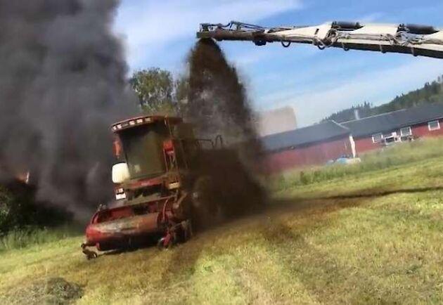 Branden tog snabbt fart i maskinen och hade sannolikt varit svår att få styr på om inte Sören Eriksson hade befunnit sig i närheten med sitt gödselekipage.
