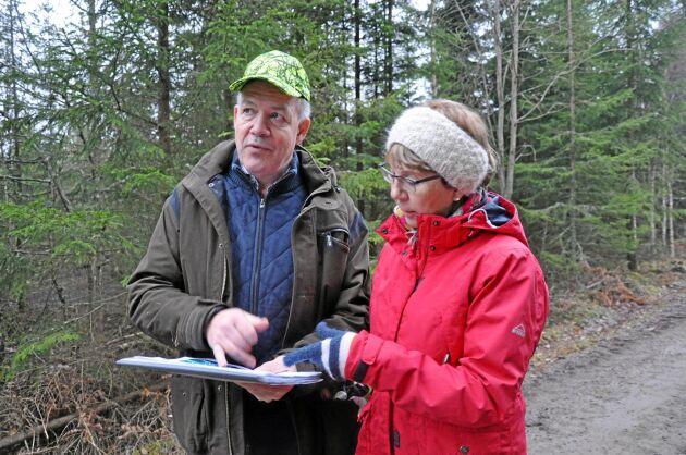 """Anders-Henrik Andersson, inköpare på Sydved, menar att de """"kvarglömda hörnen"""" utgör en betydande areal på en skogsfastighet av Tunarps storlek."""