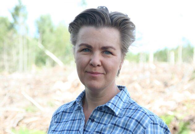 """""""Målet är att utveckla en planteringsteknik som är lönsam för skogsägaren, skonsam för marken och attraktiv för entreprenören, hela vägen från plantskolan till satt planta"""", säger Anna Wallner."""