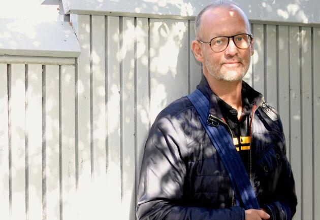 Anders Wilhelmsson lever med obotlig strupcancer. Han skriver om sin sjukdom på Facebook.