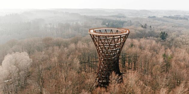 Spektakulärt trätorn högsta punkten på Själland