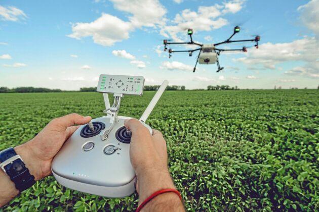 Från LRF:s sida tror man mer på tekniska lösningar som drönare och gps-sådd än på att politiken ska skapa förutsättningar för att lösa framtidens utmaningar inom jordbruket.