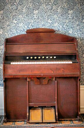 Den gamla orgeln fick paret till skänks.