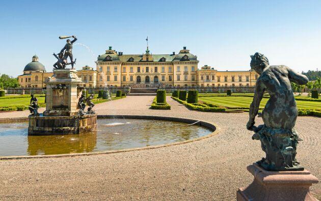 Drottningsholms slottsområde på Lovön i Mälaren.