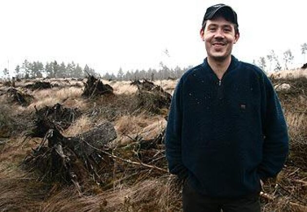 Skogsentreprenören och skogsägaren Ola Bokelund fick 30 procent högre ersättning för sin stormskog sedan han låtit Skogssällskapet granska hans försäkringsärende. Foto: Torbjörn Esping
