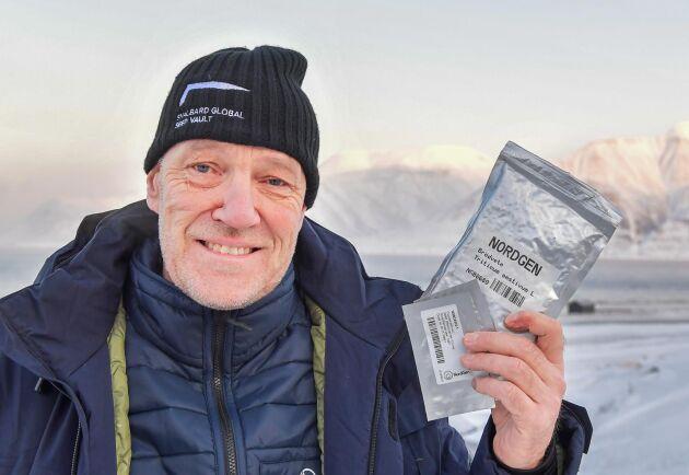Åsmund Asdal är koordinator för det globala frövalvet på Svalbard.