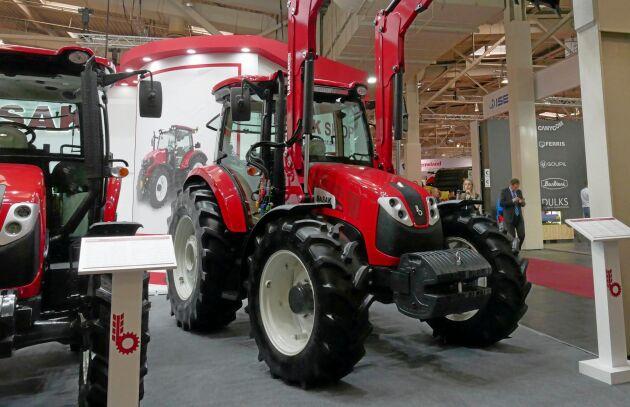 Basak har tidigare samarbetat med både Ford och Steyr. I dag tillverkas runt 20 olika modeller vid fabriken i Turkiet. Basak 2110 är en traktor på 110 hästkrafter med en Euro Steg 3-motor.