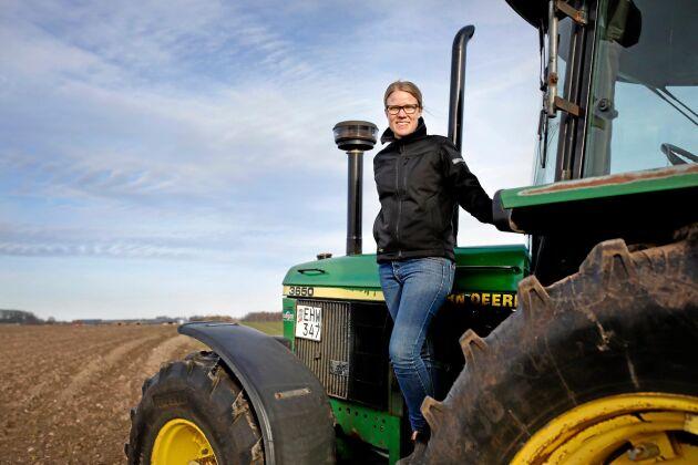 Centern har satt tydligt avtryck på regeringens förda poliitkm hävdar Politikern och växtodlaren Kristina Yngwe, C, här på sin gård utanför Ystad,