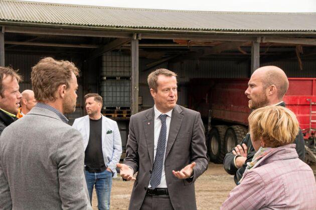Att energi- och digitaliseringsminister Anders Ygeman (S) är medveten om biogasens fördelar rådde det ingen tvekan om under gårdsbesöket i Vårgårda.