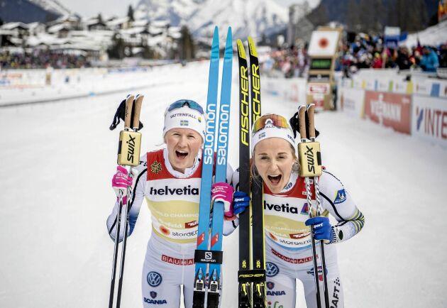 Maja Dahlqvist och Stina Nilsson vann sprintstafetten och tog guld i skid-VM 2019 i Seefeld.