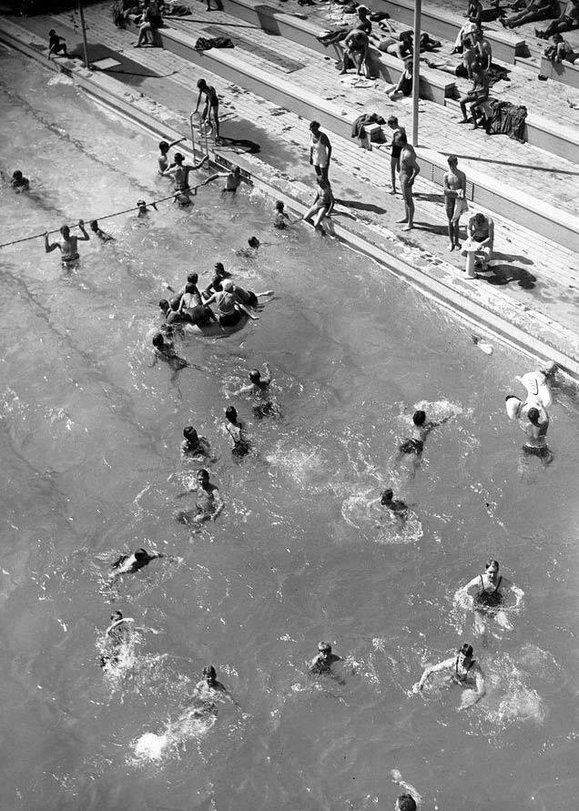 Lisebergsbadet var byggt som ett sommarbad men kunde även användas under höst och vår. Foto: Liseberg