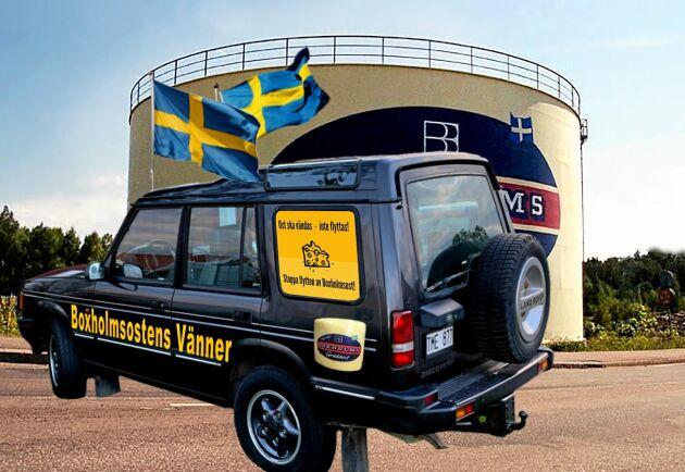 Boxholmsupprorets bil prydd med dekaler kör i veckan till Danmark och Arlas huvudkontor för att framföra sina krav.