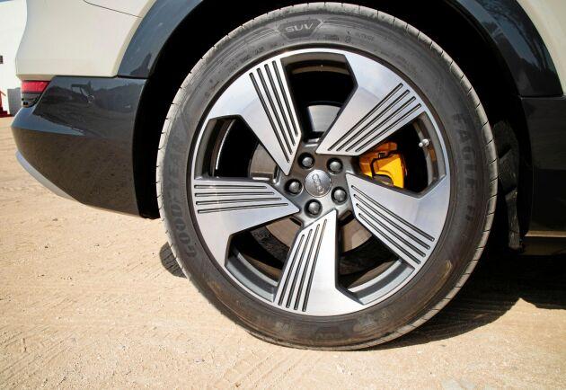 Det finns sju olika körlägen – auto, komfort, dynamisk, effektiv, individuell, allroad och offroad.