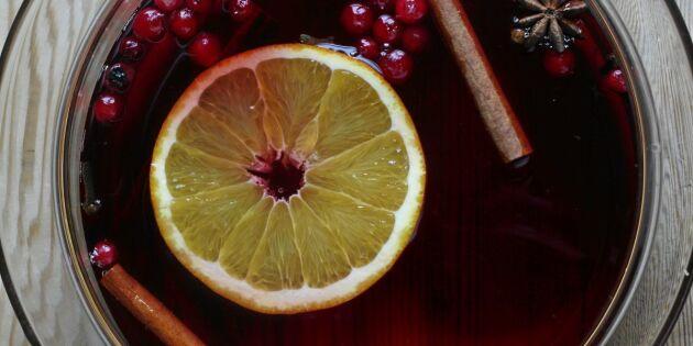 Kryddig varm lingondricka till vintermyset