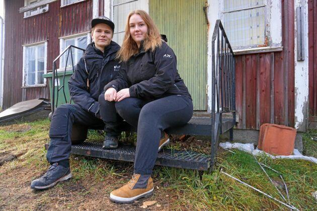 Paret Felix Näsström och Felicia Berggren har hittat sitt drömhus, ett gammalt ödehus från 1851.