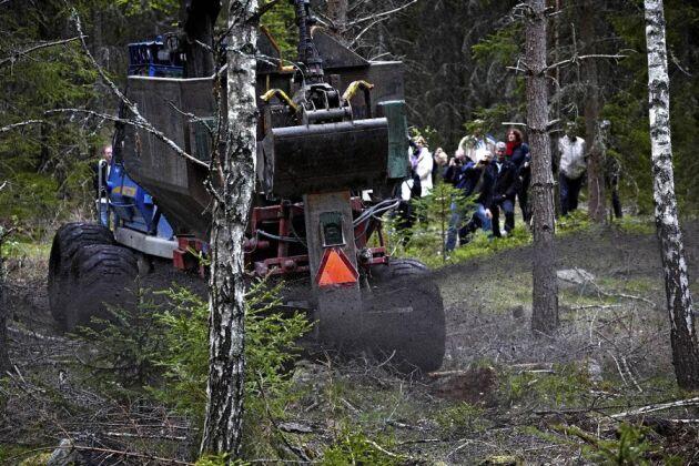 Det är framför allt för miljön som askåterföring är viktig för Sverige, menar Skogsstyrelsen, som visade askåterföring för intresserade balter.