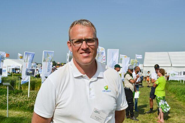 Mats Håkansson, rådgivare på HIR Skåne, höll i vallodlingsdemon på Borgeby fältdagar.